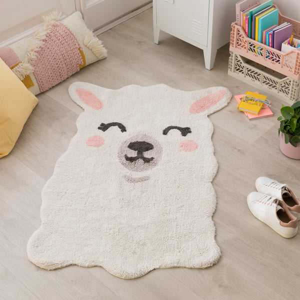 Bring the animal kingdom closer togeher with this friendly llama and its sweet smile. With this beautiful Rug, you can decorate your children's room with a modern and elegant style! 97% cotton, 3 % other fibres, round and machine-washable (conventional washing machine with 6 kg capacity), its design and neutral colours is a hit among the boys and girls.