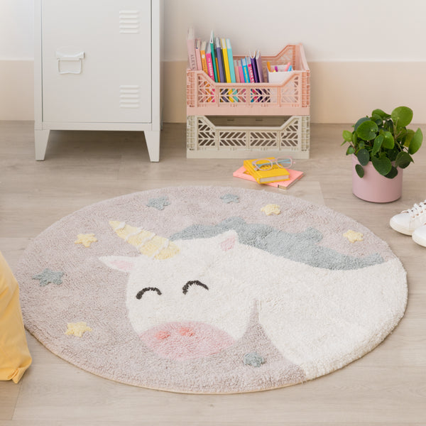 A true symbol of self-belief, this cute unicorn rug from Lorena Canals encourages children to follow their dreams. With this beautiful Rug, you can decorate your children's room with a modern and elegant style! 97% cotton, 3 % other fibres, round and machine-washable (conventional washing machine with 6 kg capacity), its design and pastel colours is a hit among the boys and girls.