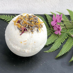fields and flowers bath bomb