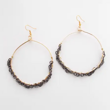 Load image into Gallery viewer, Outburst earrings in gold