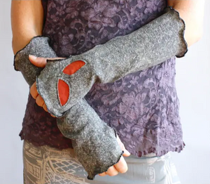 leaf fingerless gloves