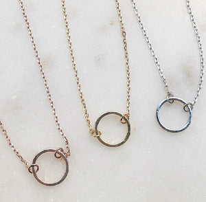 janna hoop necklace
