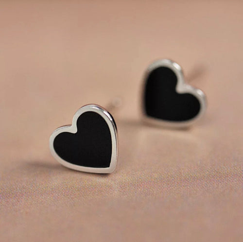 Onyx heart mini stud earrings