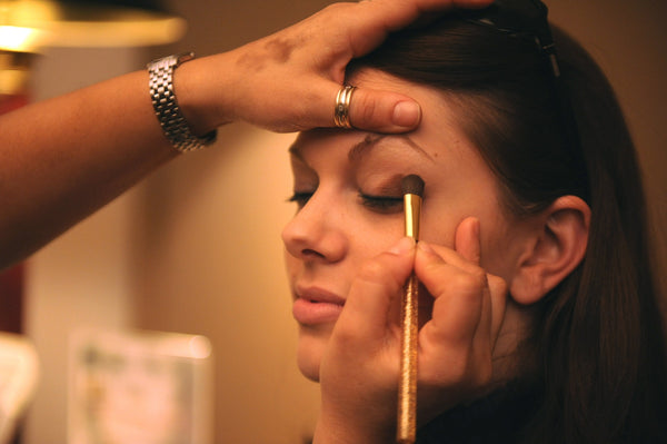 A Step-By-Step Guide to Remove Your Makeup