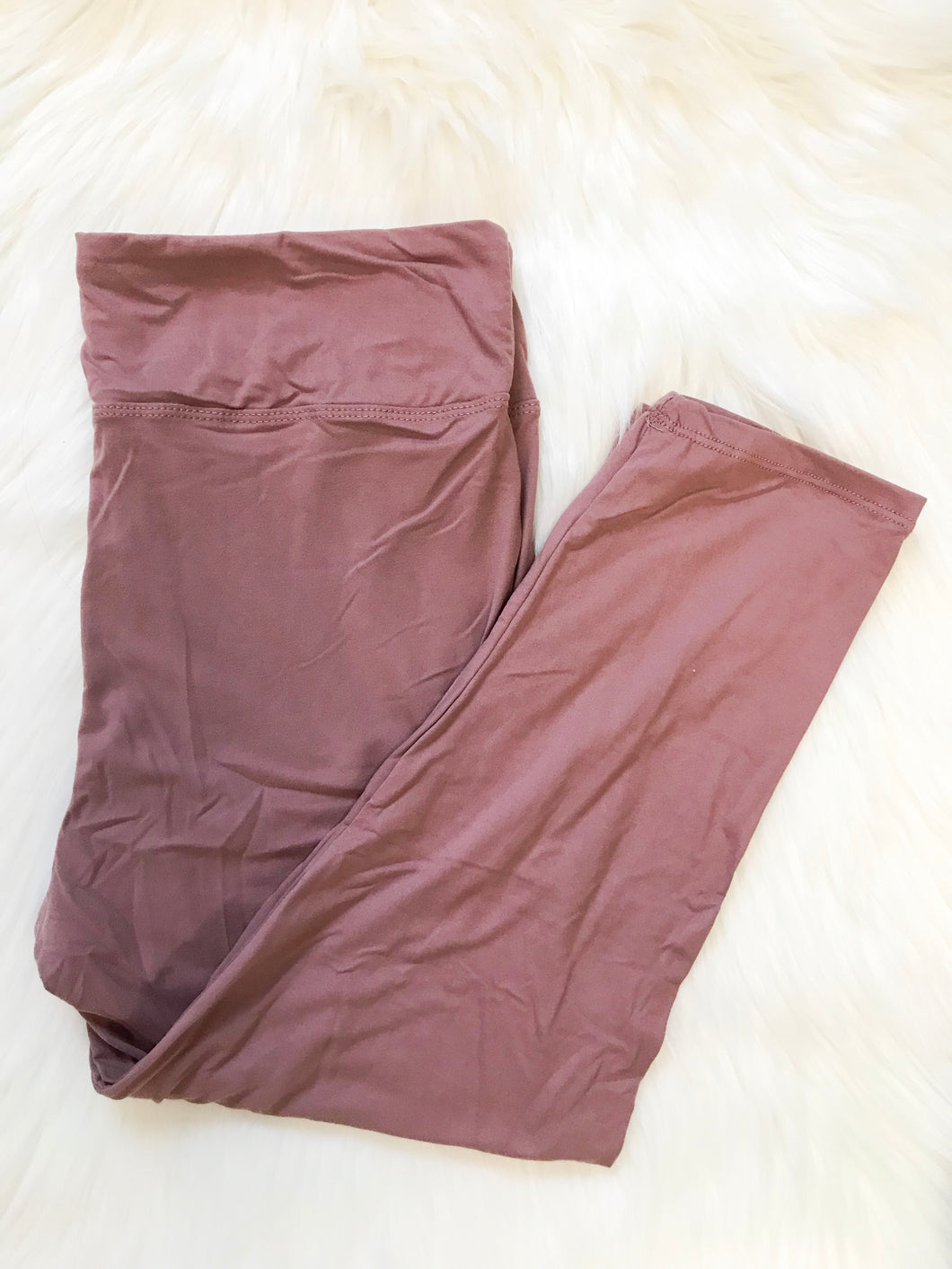 Mauve Curvy Capri Yoga Band Leggings