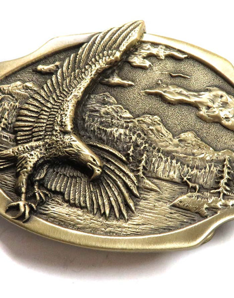 Brass Cast Eagle Scene USA Made Oval Belt Buckle 5881 close up