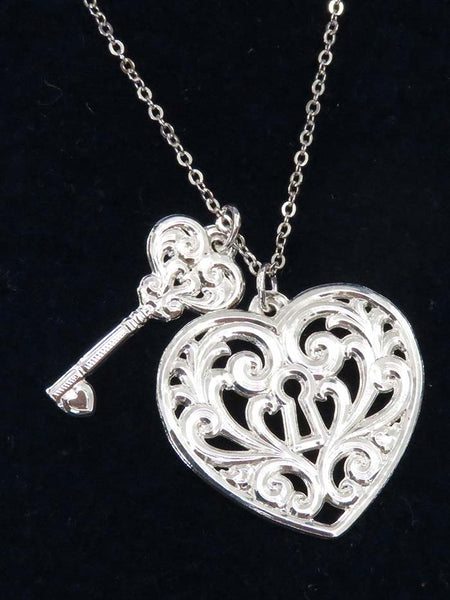 Montana Silversmiths Key To My Heart Necklace NC2421D Close Up