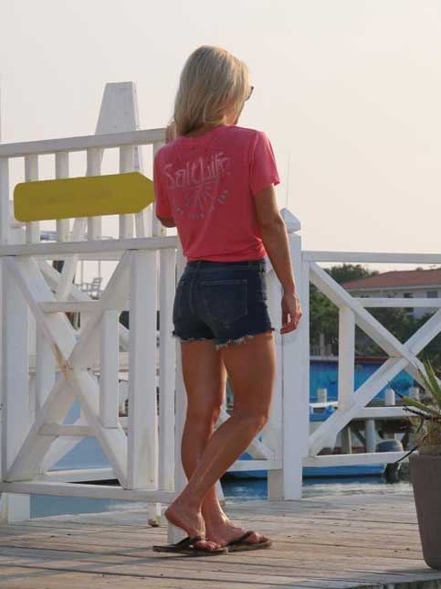 Salt Life SLJ10234 Womens Born from the Sun Boyfriend Sunburnt Tee Hibiscus