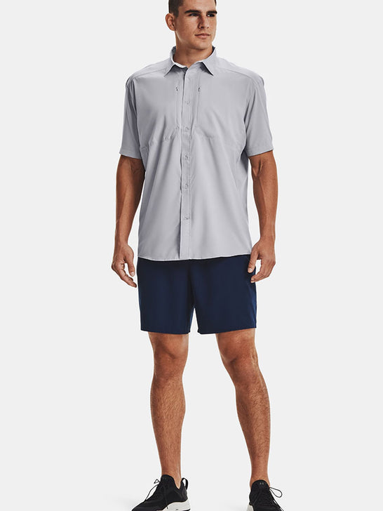 Under Armour 1351123-011 Mens Tide Chaser 2.0 Short Sleeve Shirt Gray With a man