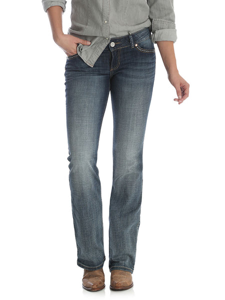 Wrangler 07MWZDW Womens Retro Low Rise Sadie Boot Cut Jean Front