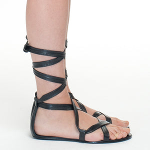 7927 LEATHER STRAPPY FLAT SANDALS, BLACK