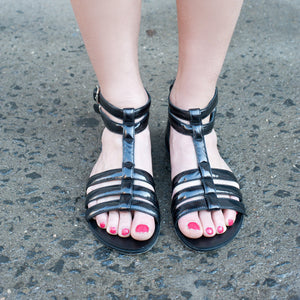 J109 PATENT LEATHER FLAT SANDALS, BLACK