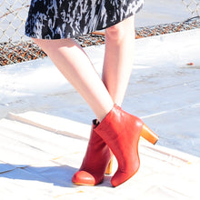 K601B LEATHER ANKLE BOOTS, RED