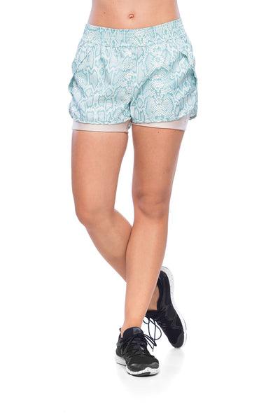 Big Arrow Shorts - Light Blue