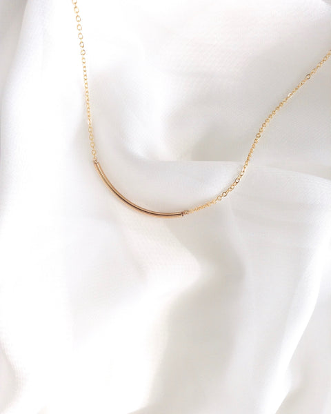 Curved Bar Necklace | IB Jewelry