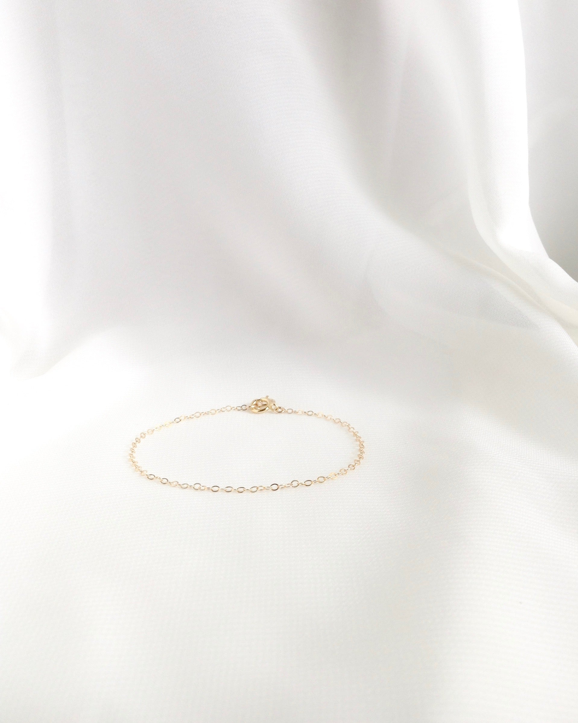 Simple Dainty Bracelet in Gold Filled or Sterling Silver | IB Jewelry