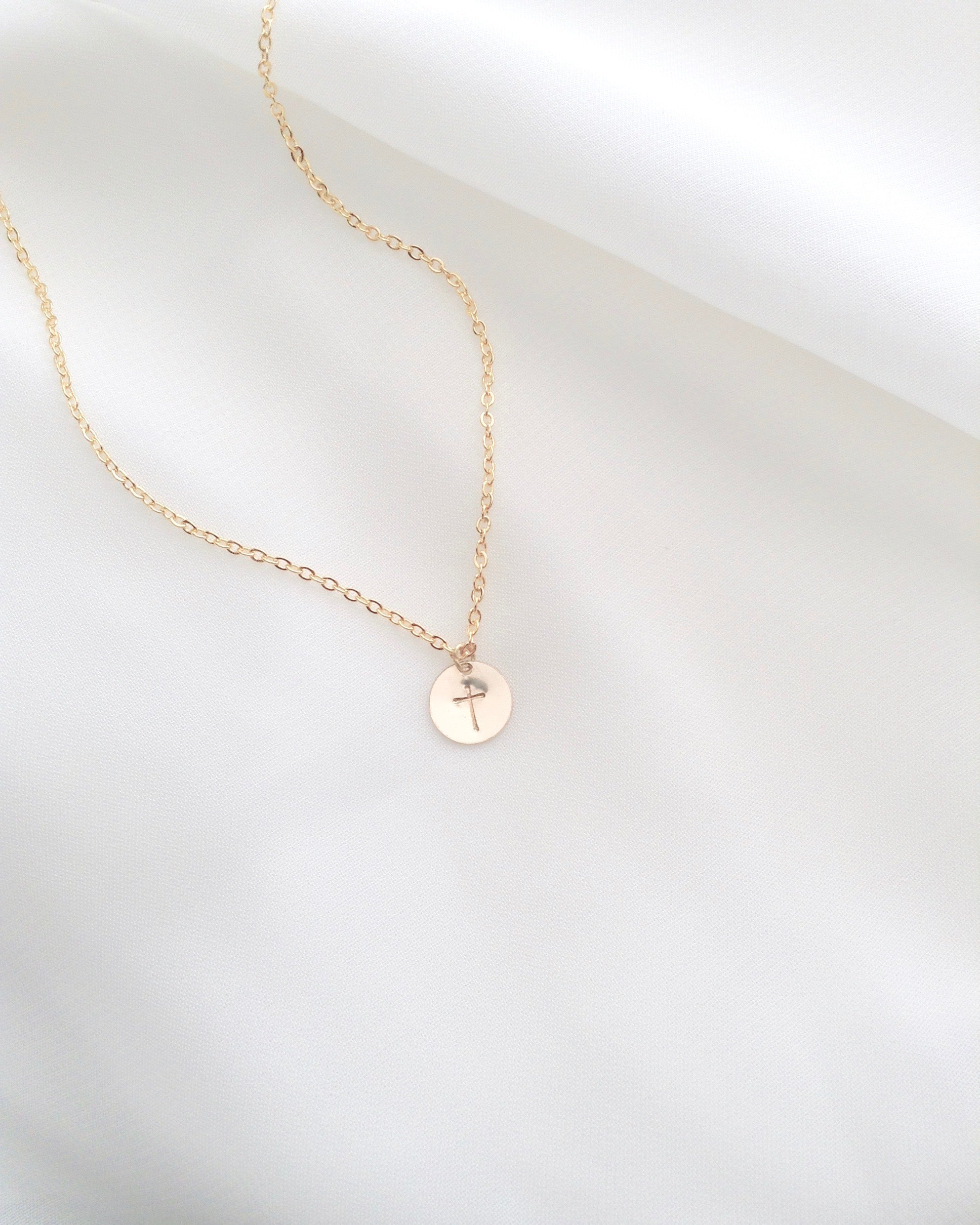 Delicate Cross Necklace | IB Jewelry