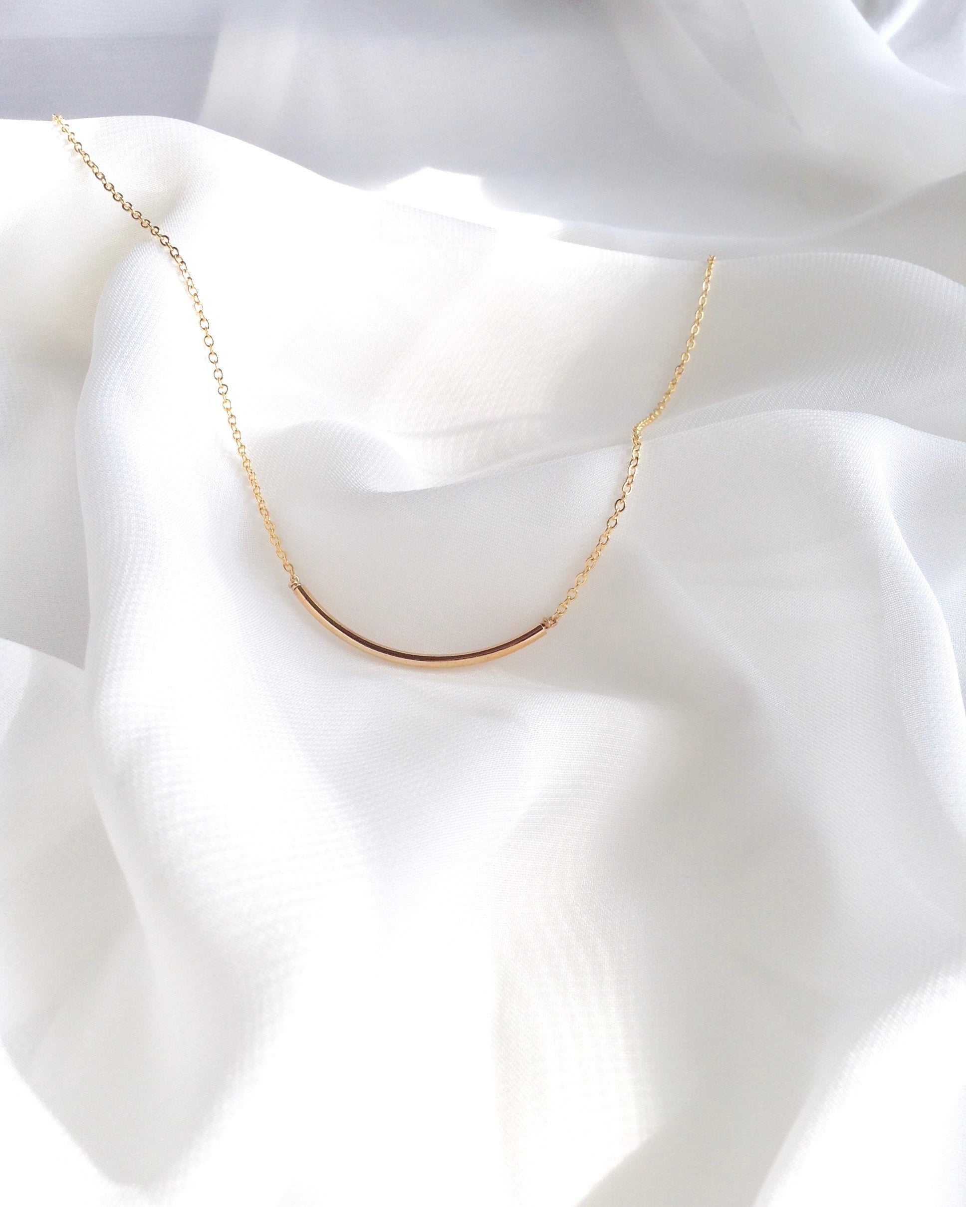 Curved Bar Minimalist Everyday Necklace | IB Jewelry