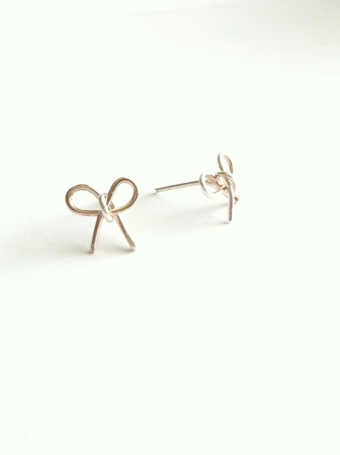 Wire Bow Stud Earrings | IB Jewelry