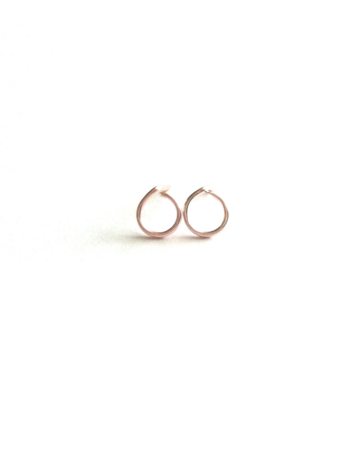 Small Open Circle Stud Earrings | IB Jewelry