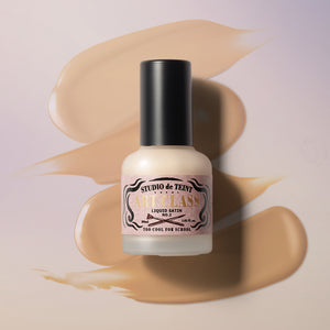 Artclass Studio de Teint Liquid Satin is a lit-from-within glow foundation that covers imperfections with a velvety satin finish.