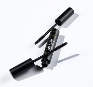 Artistry C Curl Lash is a lightweight but powerful curling mascara that is water and sweatproof.