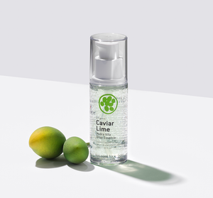 A super hydrating, brightening and anti-aging rich essence formulated with 83% concentrated caviar lime for transparent and glowing skin.