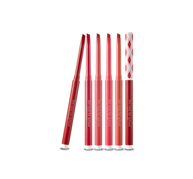 A 3 in 1 lip locker pencil that you may design three-dimensional lips delicately with sharp edges. The smooth, weightless texture of the pencil will last all day long.