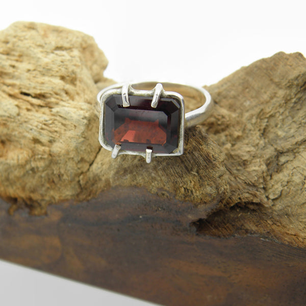 Window Garnet Ring
