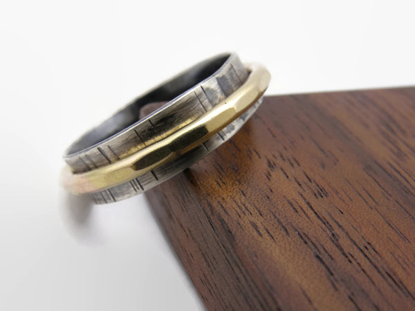 Gold Grooved Spinner Ring