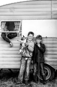 Irish Travellers, Boys with Dog