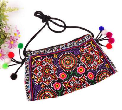 Gorgeous Embroidery Shoulder bags