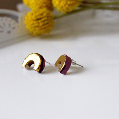 Golden Macaroni - violet & gold earring