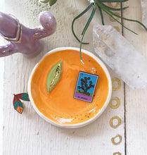 Load image into Gallery viewer, Golden Orange Citrus Trinket Dish
