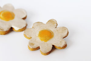 Daisy pin, ceramic brooch, Ceramic jewelry pin,