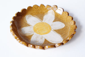 Scalloped Edge Flower Tray