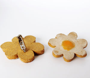 Daisy pin, ceramic brooch, Ceramic jewelry pin, Line and Dot Ceramics