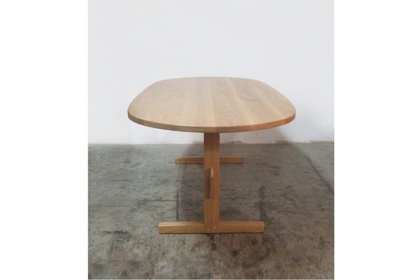 02 Trestle Table