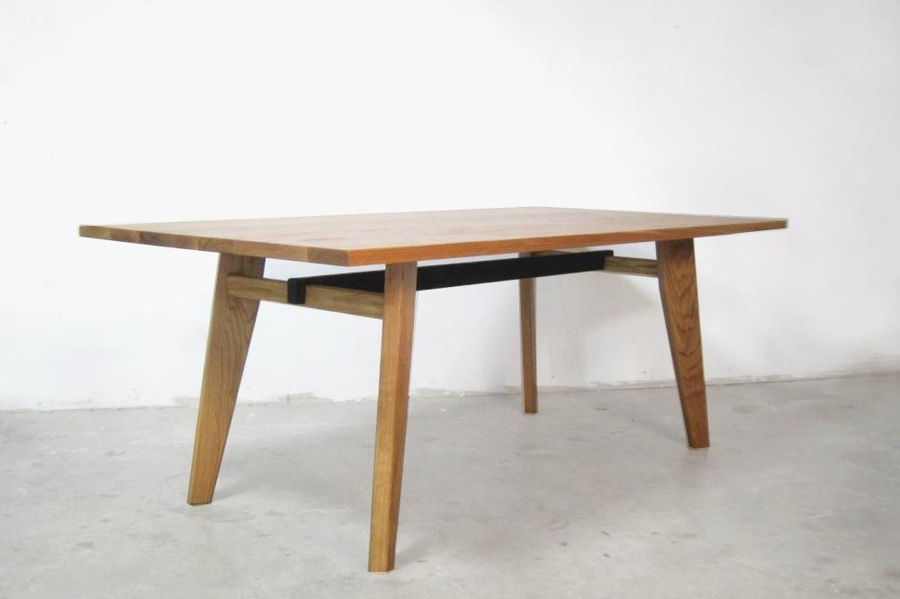 02  Table