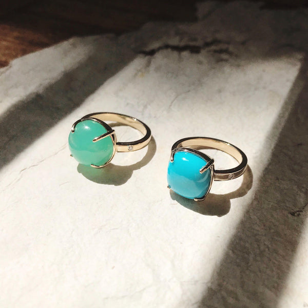 MARE gold ring with Australian chrysoprase ||  MARE bague en or avec une chrysoprase australienne