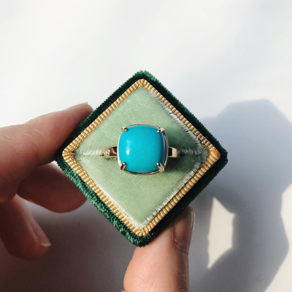 MARE gold ring with turquoise ||  MARE bague en or avec une turquoise