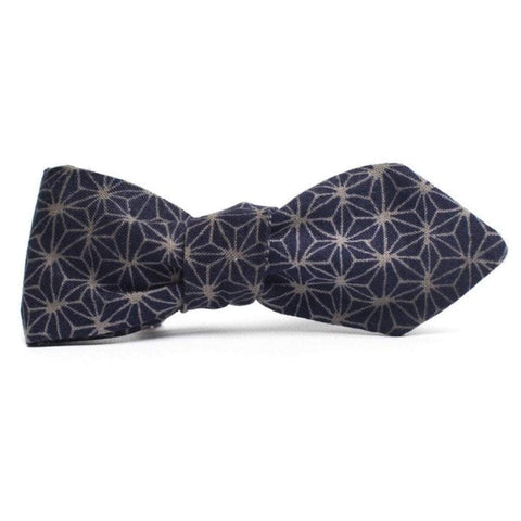 QP Collections Men - Accessories - Bow Ties Pointed Geoprint Bowtie