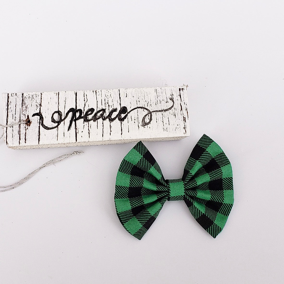 Green plaid fan bow - 3 inch