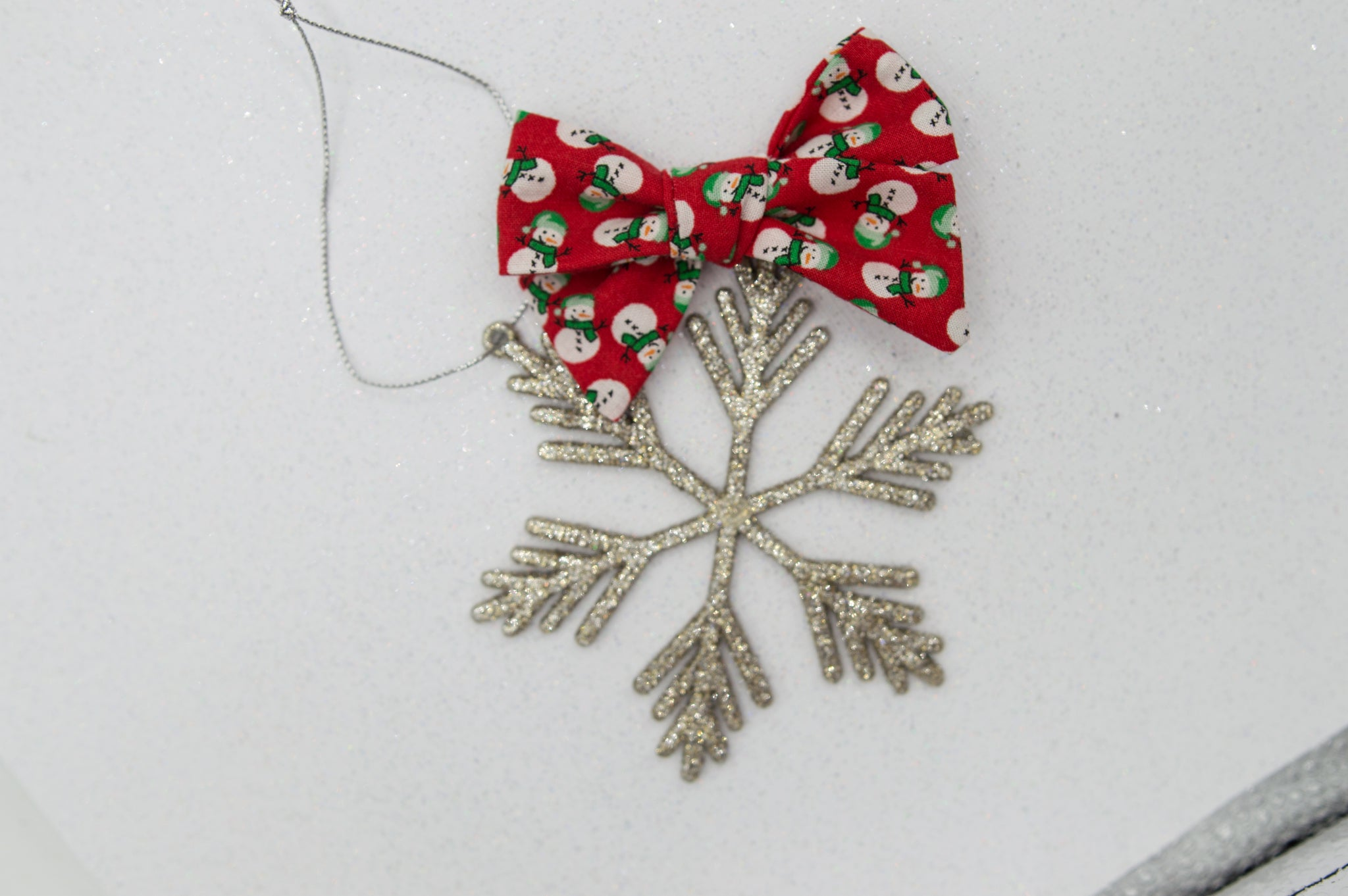 Frosty Elloise bow - O Holy Night