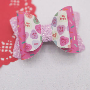 Chatty hearts sprinkles Quinnlee Bow - LOA