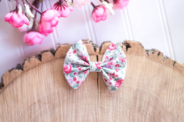 Red Tiny floral bow / 3 inch