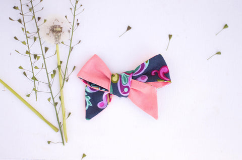 Bright pink chiffon  // Vintage // River Bow