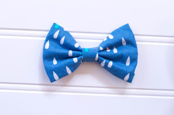 Spring or Easter // Raindrops in blue  // SMALL BOW // OR bow tie