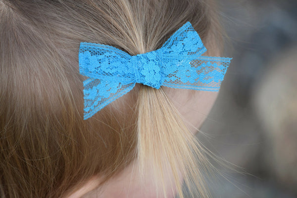 Assorted *you choose color* vintage lace bow. //