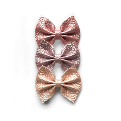 Vegan leather springtime bow 2.85 inch